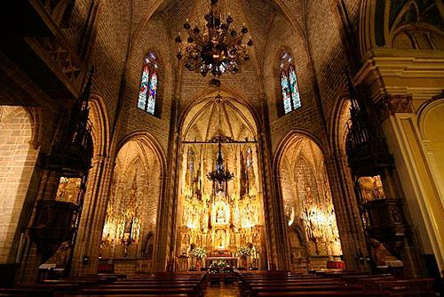 Resultado de imagen de iglesia medieval de san saturnino pamplona