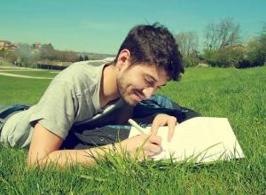 La escritura, clave para proyectar mejor el futuro de los jóvenes en riesgo de exclusión