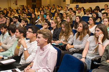 Estudiantes en el Colegio
