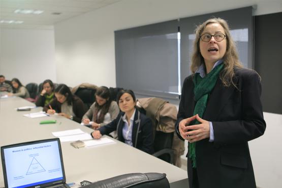 Formación práctica de los alumnos en diferentes empresas, consultoras de comunicación e instituciones