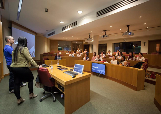 Sesión impartida por el alumni Miguel Ángel Zapatero