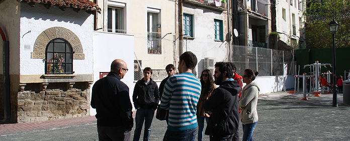 Un paseo por la pamplona hist rica universidad de navarra - Pamplona centro historico ...