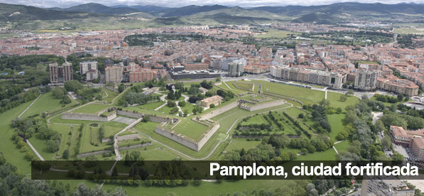 Pamplona basti n medieval universidad de navarra for Universidades de arquitectura en espana